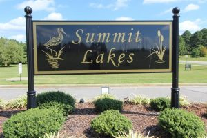 Summit Lakes Entrance 1